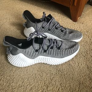 Adidas Alpha Bounce Trainer- Size 12.5
